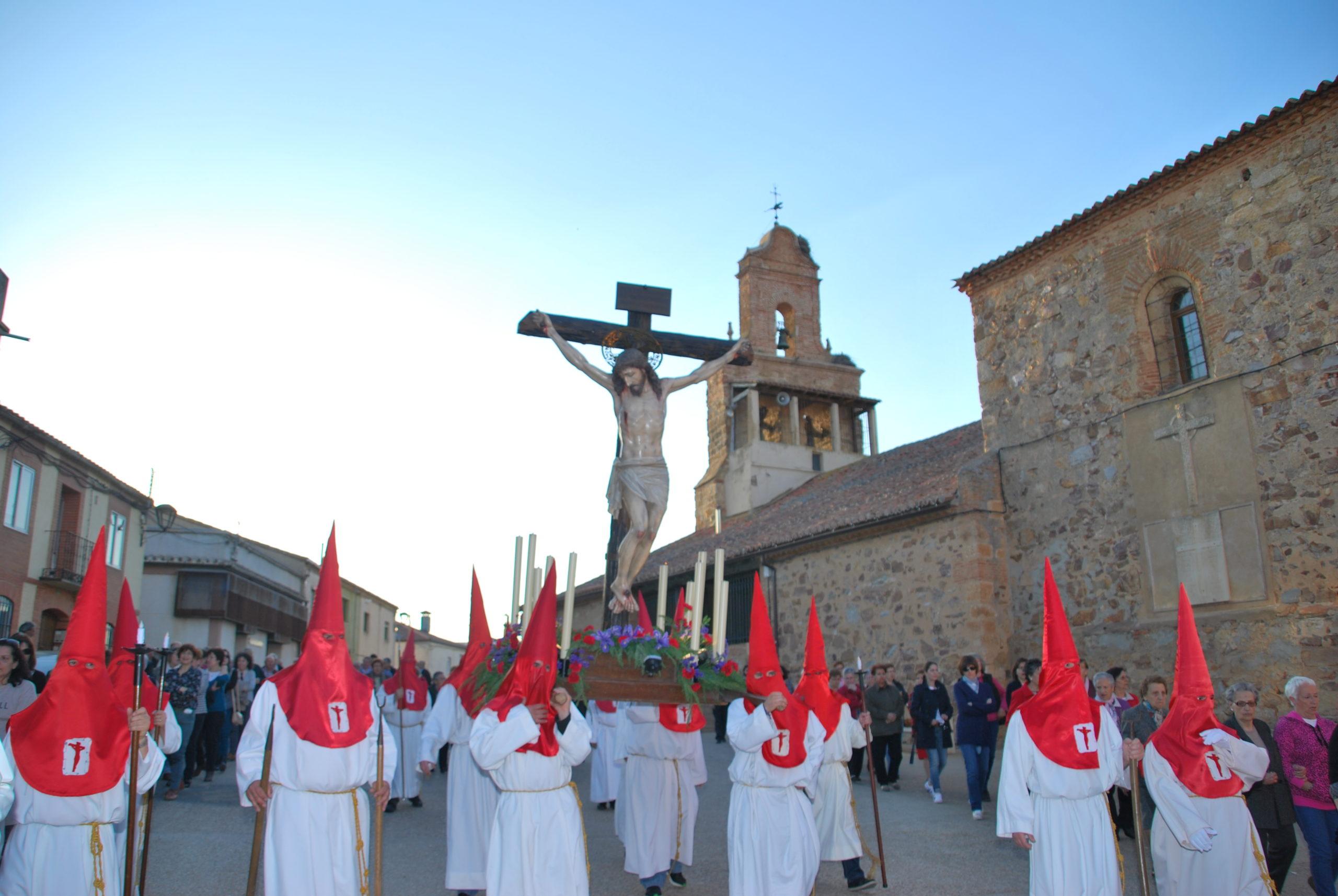 MIÉRCOLES SANTO EN MANGANESES DE LA LAMPREANA: PROCESIÓN DEL  SANTO CRISTO, TAMBIÉN LLAMADO DE LA CONSOLACIÓN.